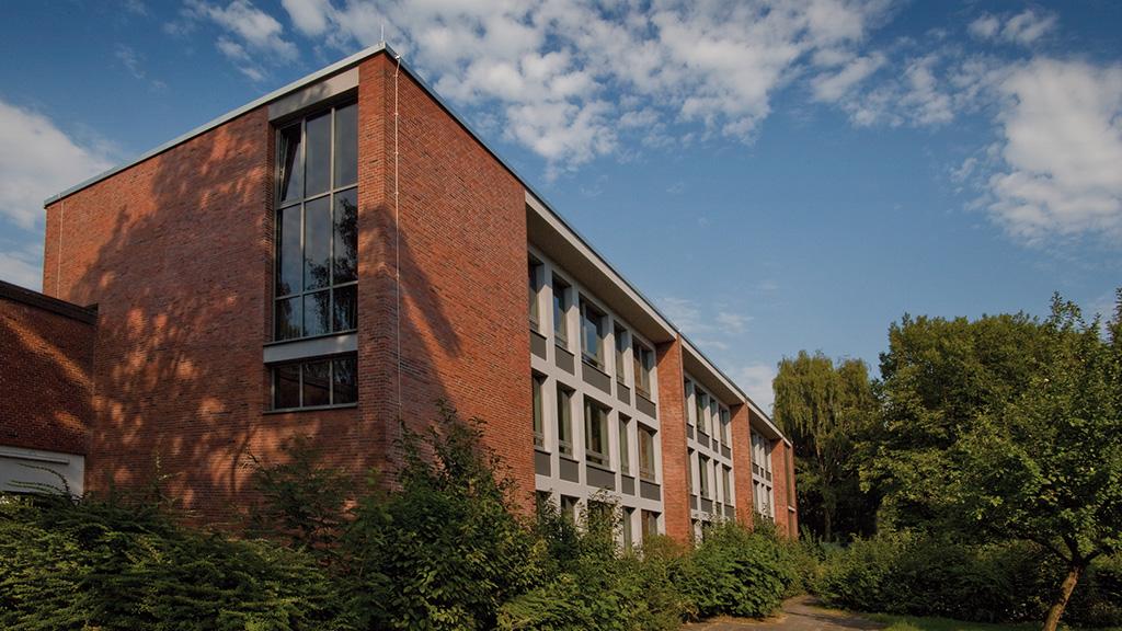 ABC-Klinker Referenzen Klinkerriemchen Schüttorf Rot-Kohlebrand im Hamburger Format Denksteinschule in Hamburg