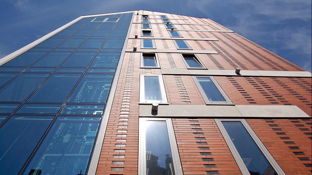 ABC-Klinker Referenzen Verblendklinker Rot-nuanciert glatt Puro Hotel in Polen