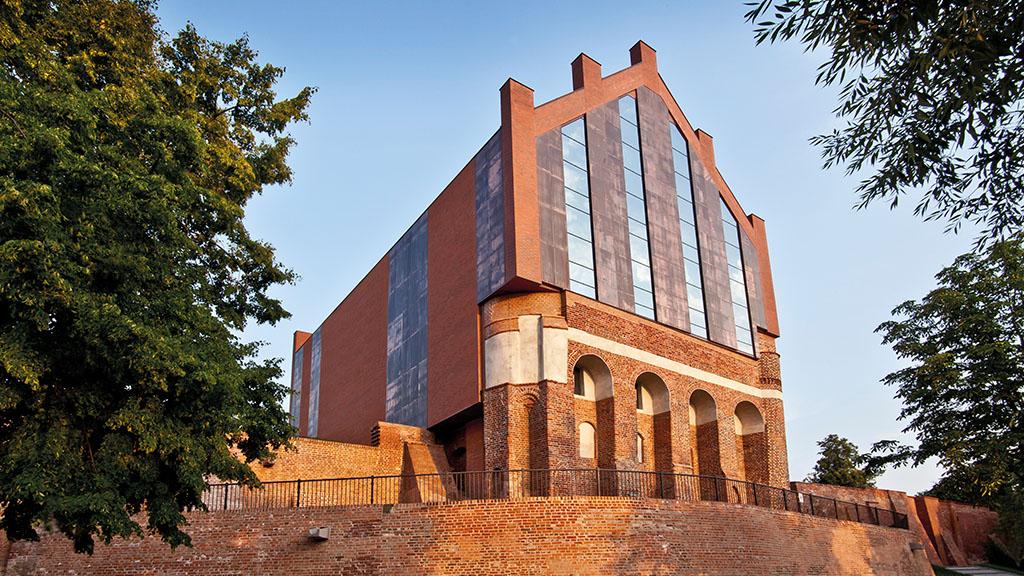 ABC-Klinker Referenzen Verblendklinker Schwerin rot-bunt Marienburg in Polen
