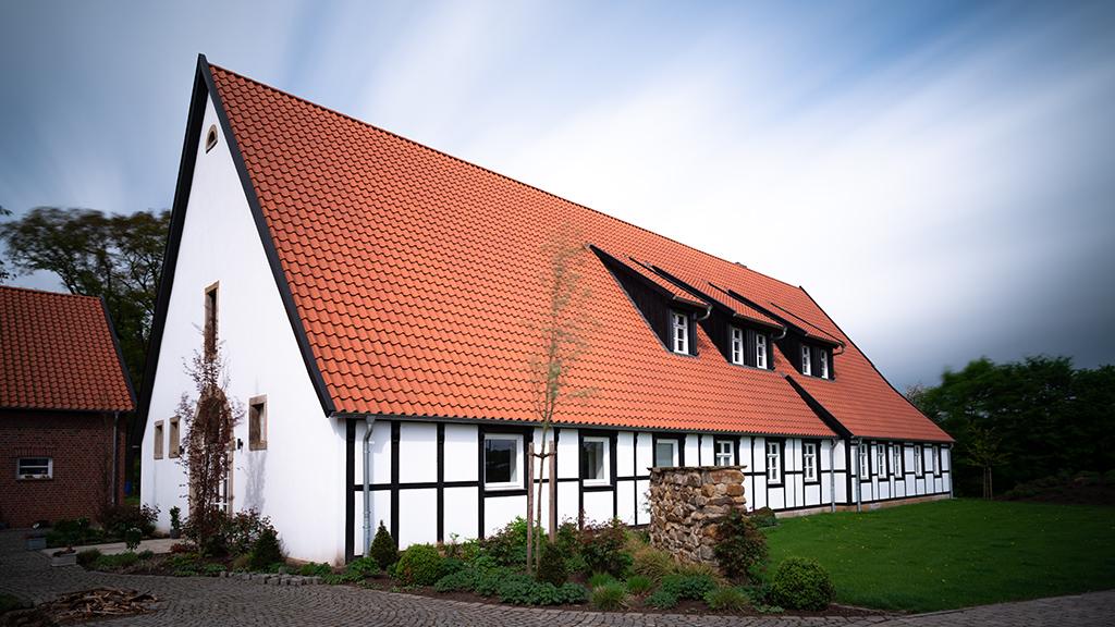 ABC-Klinker Referenzen Dachziegel Teuto-Hohlfalzziegel Naturrot Objekt Einfamilienhaus