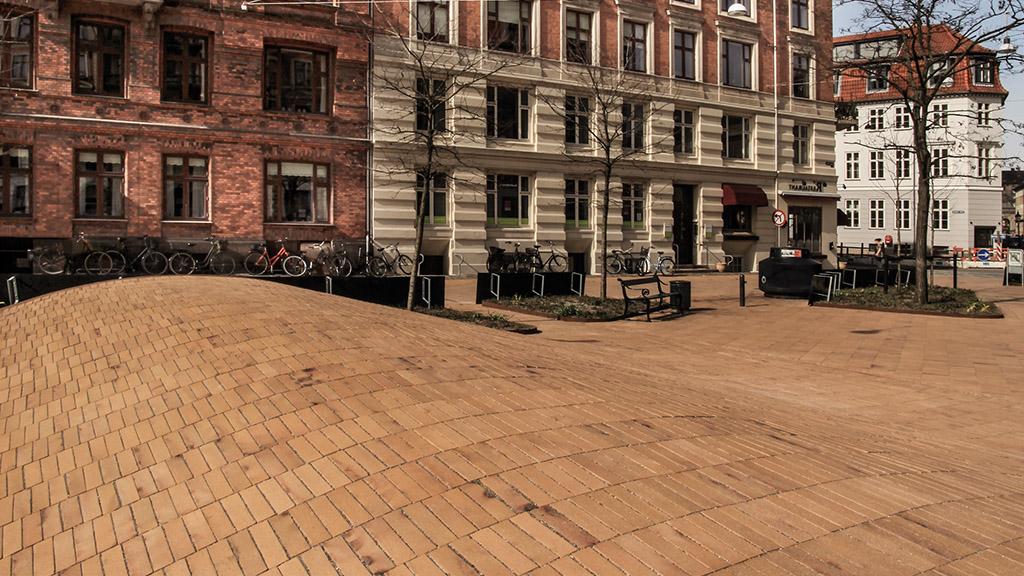ABC-Klinker Referenzen Pflasterklinker Kopenhagen gelb Kohlebrand Objekt Dantes Platz in Kopenhagen Dänemark