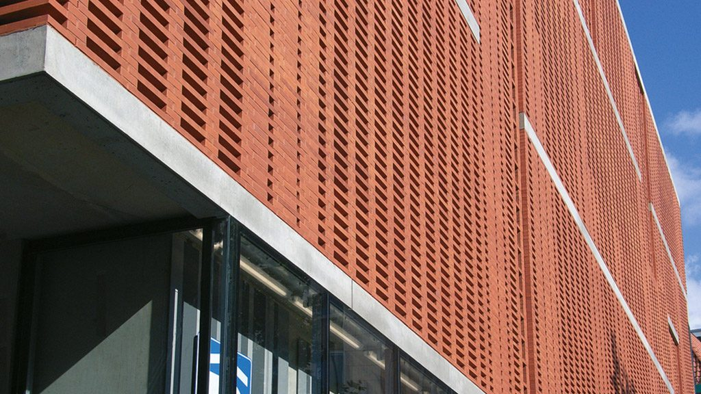 ABC-Klinker Referenzen Verblendklinker Sonnenrot Parkgarage Bremen