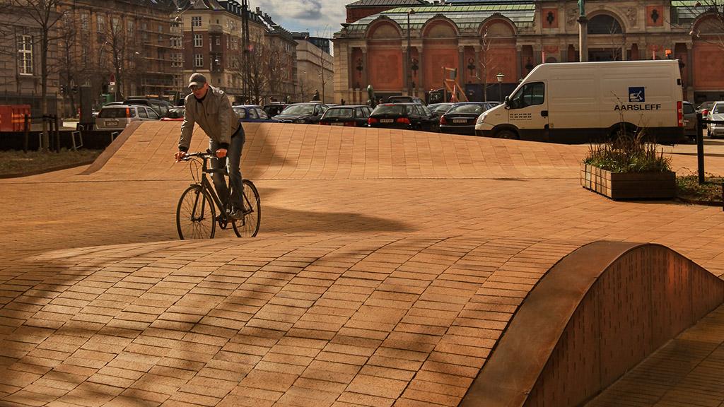 ABC Klinker_Pflasterklinker_488230_Kopenhagen gelb Kohlebrand_Objekt Dantes Platz, Kopenhagen, Dänemark_Referenzen (3)