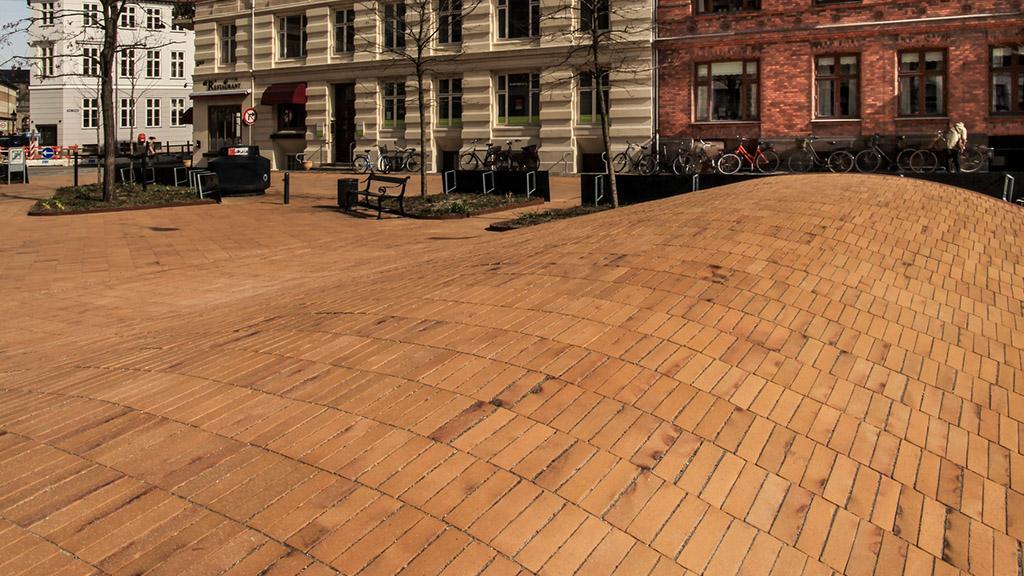 ABC Klinker_Pflasterklinker_488230_Kopenhagen gelb Kohlebrand_Objekt Dantes Platz, Kopenhagen, Dänemark_Referenzen (4)