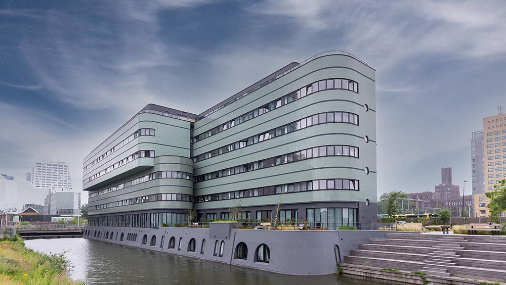 ABC-Klinker_Klinkerriemchen_Signalschwarz und Grün-grau-glasiert_DF_Wohnstudios Jan van Foreeststraat, Utrecht, Niederlande (1)