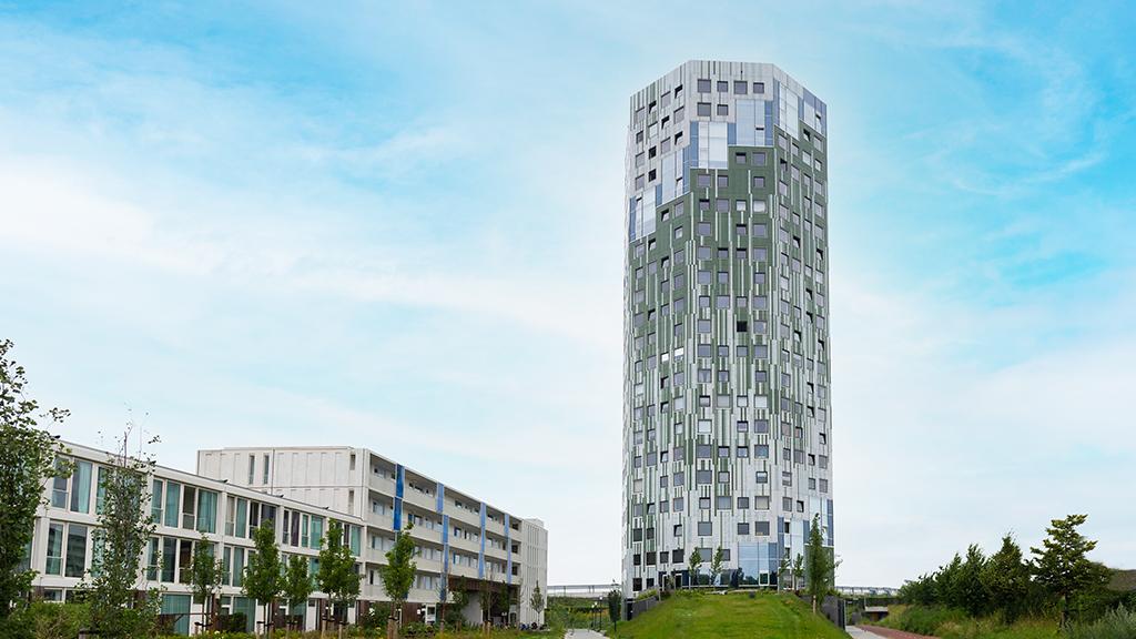 ABC-Klinker_Klinkerriemchen_Weiß und Grün-glasiert_Wohnturm Cortinghborg Groningen, Niederlande (1)